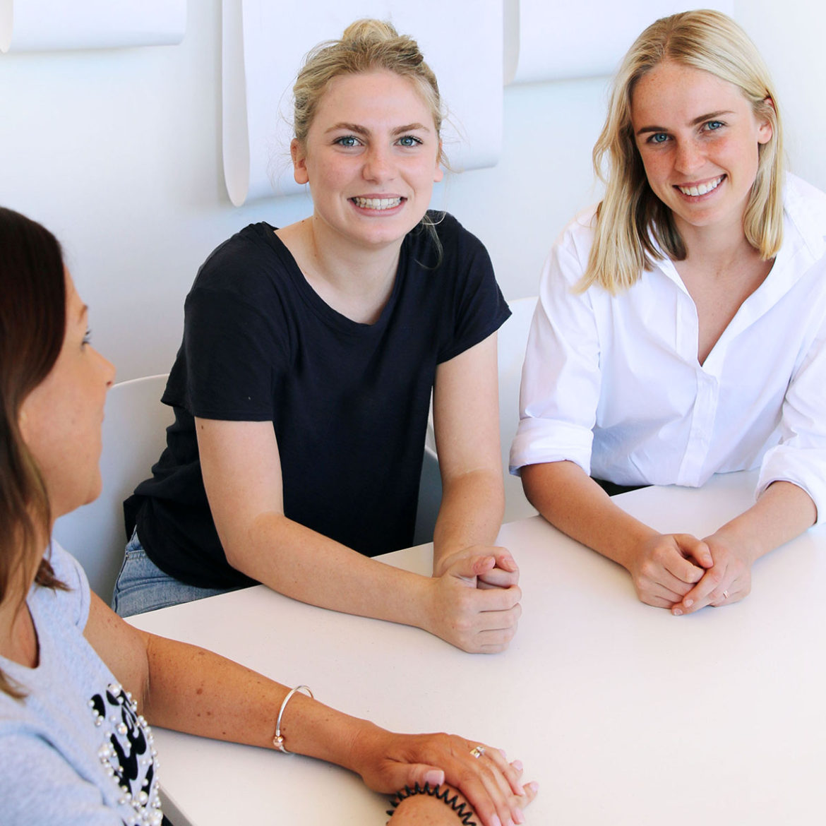 jobs with online applications for college students montreal
